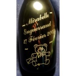 Gravure nounours sur bouteille